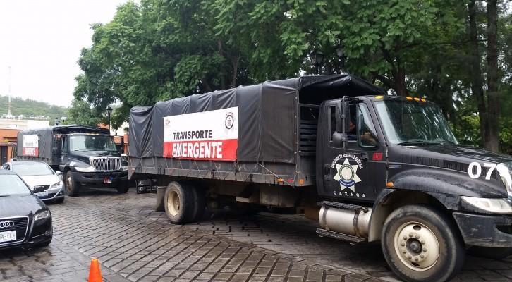 Equipo antimotin de la policía de Oaxaca (17:27 h)