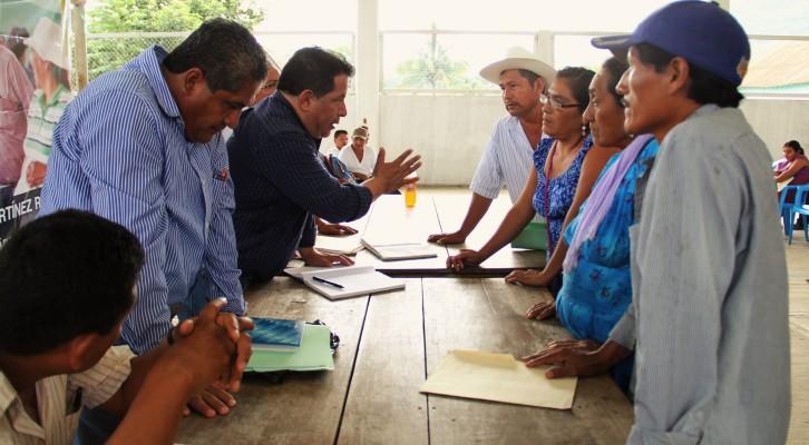 Diputado Alejandro Martínez refrenda su compromiso con Santiago Jocotepec (18:06 h)