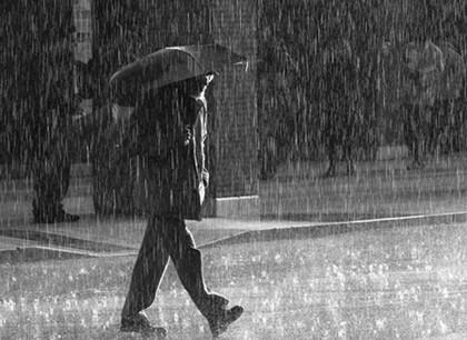 Intensa lluvia en la capital y municipios conurbados (20:22 h)