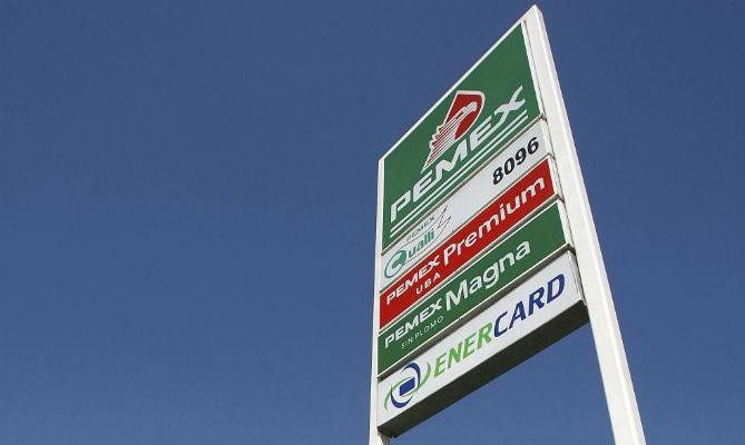 """Pemex ha perdido este año 15 mil 300 mdp por """"ordeña"""" de ductos: Lozoya (22:18 h)"""