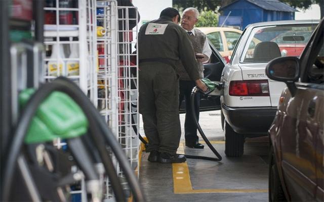 Llega Premium a los $14 en penúltimo 'gasolinazo' del año (12:00 h)