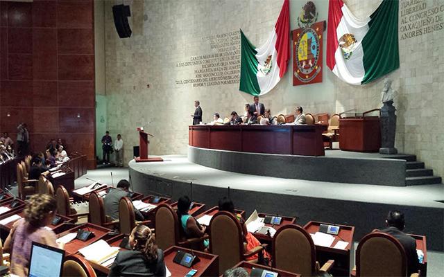Aprueban Ley para Fomento de la Lectura, Escritura, Libro y Uso de Bibliotecas del Estado y Municipios de Oaxaca (08:52 h)
