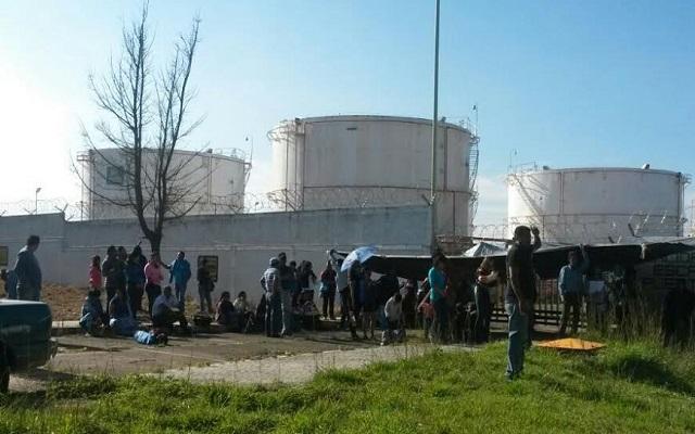 CNTE bloquea aeropuerto, dependencias federales y plantas de Pemex en Oaxaca (11:45 h)