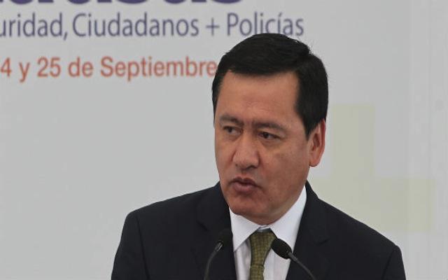 """Ayotzinapa se volvió el problema """"más grave"""" de este gobierno, dice Osorio Chong (19:40 h)"""