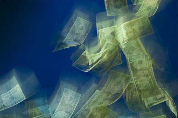 Dólar sube hasta 16.15 pesos golpeado por crisis griega (11:16 h)