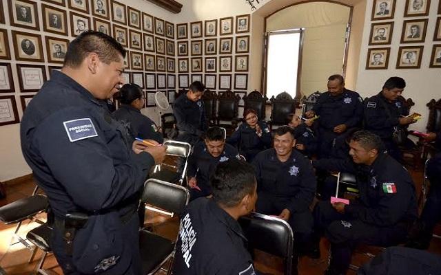 Policías de Oaxaca mantienen paro; dan plazo de 2 días para recibir respuestas (11:50 h)