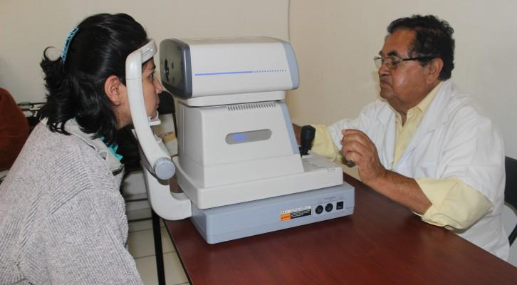 DIF Municipal brinda respaldo a personas de escasosrecursos con problemas visuales (16:40 h)