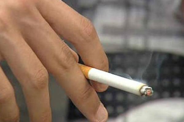 El cigarro no quita el estrés; aumenta la ansiedad y depresión (21:00h)
