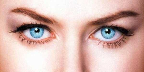 Un tratamiento con láser puede cambiar el color de los ojos de café a azul (21:10 h)