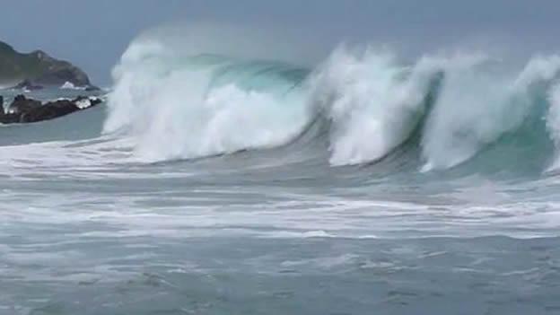 Acapulco en alerta por el fenómeno mar de fondo que genera grandes olas (20:30h)