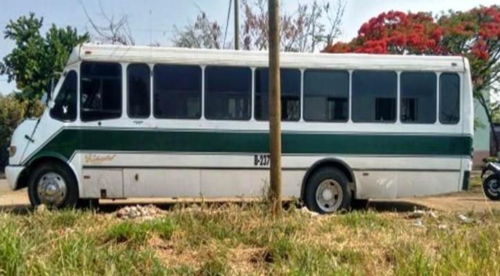 Recuperan en Santa Cruz Xoxocotlán autobús robado (13:00 h)