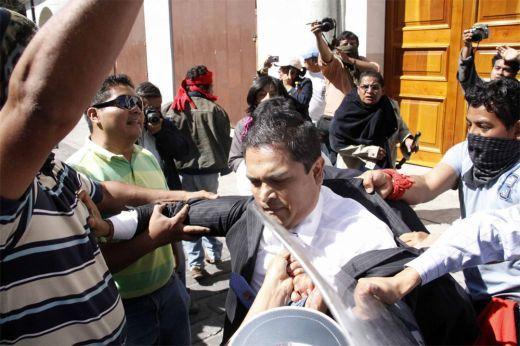 De alfiles oaxaqueños en Puebla: Ley de Herodes (06:48 h)