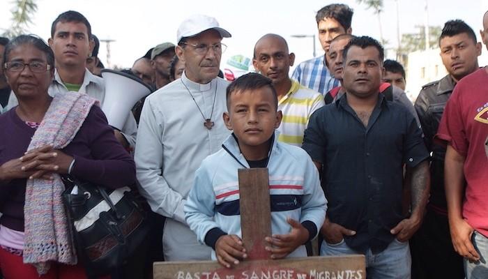 El Gobierno federal intentó vincularme a trata de personas, acusa Solalinde (13:55 h)