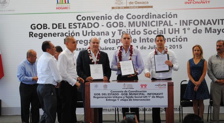 Reconoce Javier Villacaña la suma de esfuerzos para dotar de infraestructura social a familias oaxaqueñas (21:10 h)