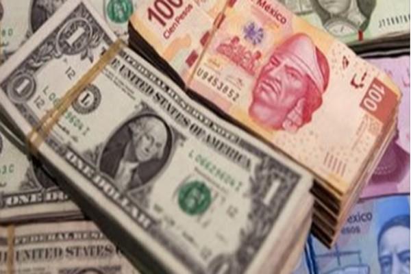 Volatilidad amenaza con disparar el dólar hasta 17.75 pesos (13:41 h)