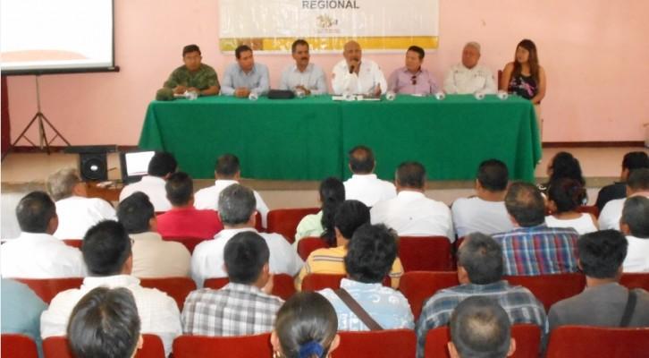 Realiza Coordinación Estatal de Protección Civil reunión con autoridades municipales de Cuicatlán (14:15 h)