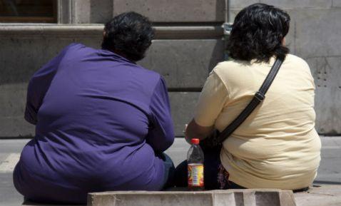 Obesidad es un problema de calorías, no de consumo de azúcar: expertos (20:45 h)