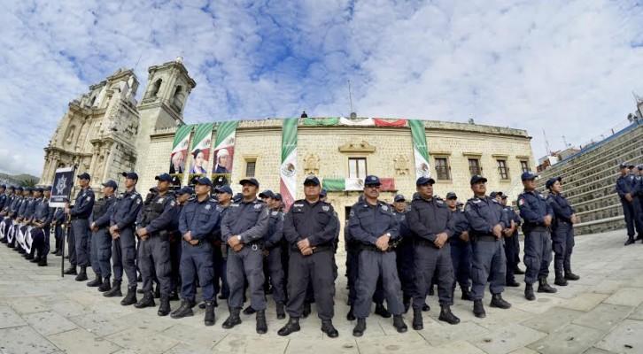 Cumple Policía Municipal 25 años de proteger  y servir a los oaxaqueños (21:00 h)