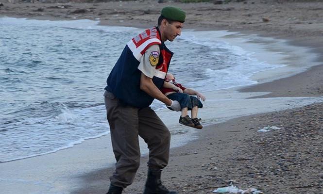 Las manos de mis niños se escaparon de las mías: padre de Aylan Kurdi narra tragedia (17:45 h)