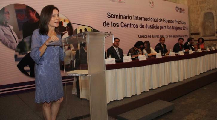 Instancias internacionales disertan en Oaxaca sobre buenas prácticas en justicia para la Mujer (21:40 h)