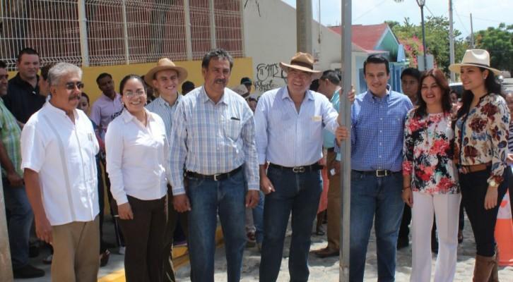 """Inicia municipio de Oaxaca programa""""Cajones de estacionamiento para embarazadas"""" (18:30 h)"""