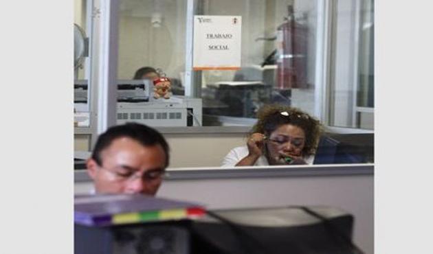 Cuestan a mexicanos 7% más los sueldos de funcionarios (15:50 h)