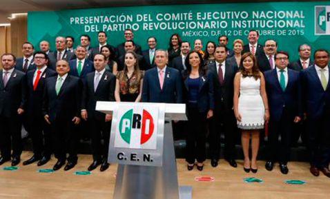 Beltrones critica respaldo de López Obrador a la CNTE (22:10 h)