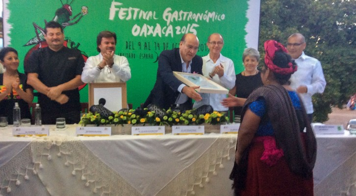 Participa Javier Villacaña en entregade reconocimientos a cocineras tradicionales (20:27 h)