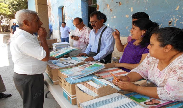 Entregan libros de texto a escuela Juan Escutia en Cuicatlán (11:17 h)