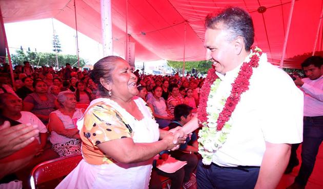Entrega Liconsa tarjetas de dotación en Zimatlán de Álvarez (11:50 h )