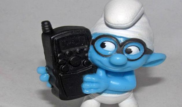 Pitufos viven en los celulares y no son agradables (09:12 h)